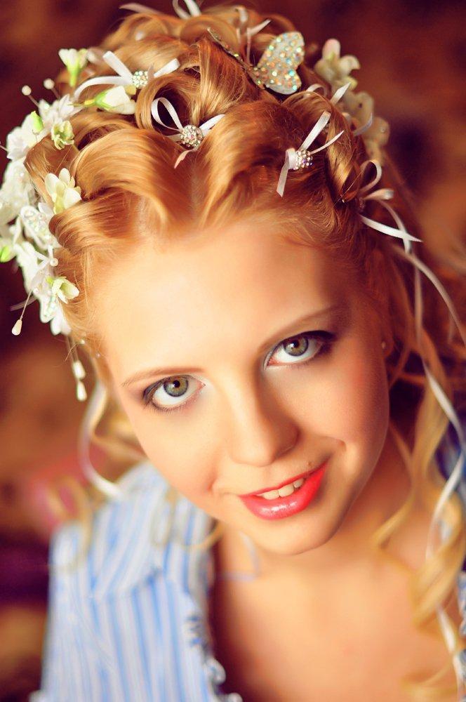 ленточки в волосах свадебные прически